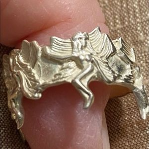 .925  sterling silver fairy ring size 6/7